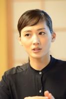 「(『村上海賊の娘』主人公の)景と(「八重の桜」の)八重はつながるところがあります。」と綾瀬さん。