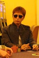 ポーカーぐらいじゃ動じない