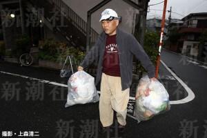 辞任前はゴミ出しが日課とアピール(撮影・上森清二)