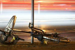 ながらスマホ自転車