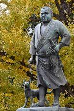 東京都台東区・上野公園 連れている薩摩犬、ツンまで似てないと噂の銅像