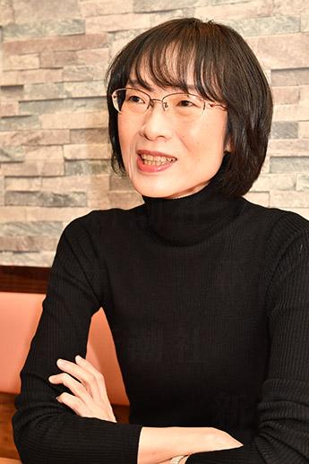 石井遊佳さん