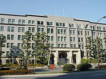 国税庁(っ's file/Wikimedia Commons)