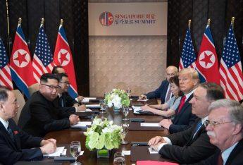 不可解な「米朝首脳会談」裏側の真実:NSC開催なし、内部対立、大統領メモ廃棄