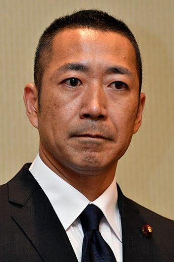 中川俊直氏