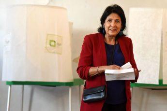 「大失言」で決選投票にもつれ込んだジョージア史上初「女性大統領」候補