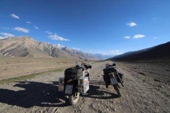 「バイクで世界一周」に挑む「異色カップル」の「ユーラシア」「南北アメリカ」3大陸制覇の旅(2)