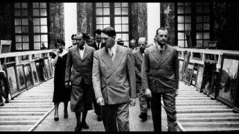 「ヒトラー」「蒋介石」権力者に交通する「正統性」への欲望